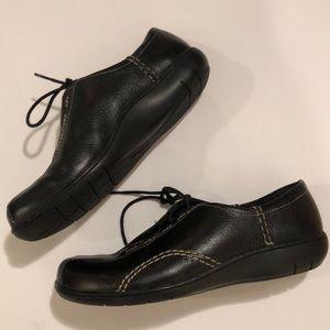 Clark's tennis shoes size 8.5